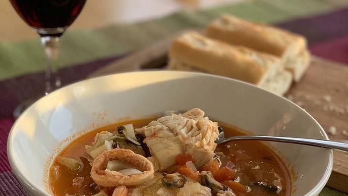 Äyriäis-kalakeitto italialaisittain - Huippuhyvä ruoka!